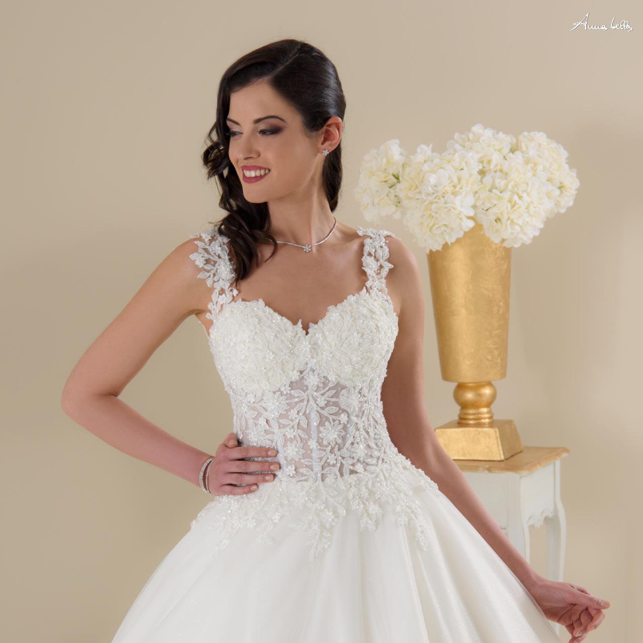 937c66e18755 Abiti da sposa 2019 Anna Bella da Boutique Velo