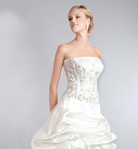0ae9efbc183f Blog di moda Italia  Abiti da sposa eddy k collezione 2011