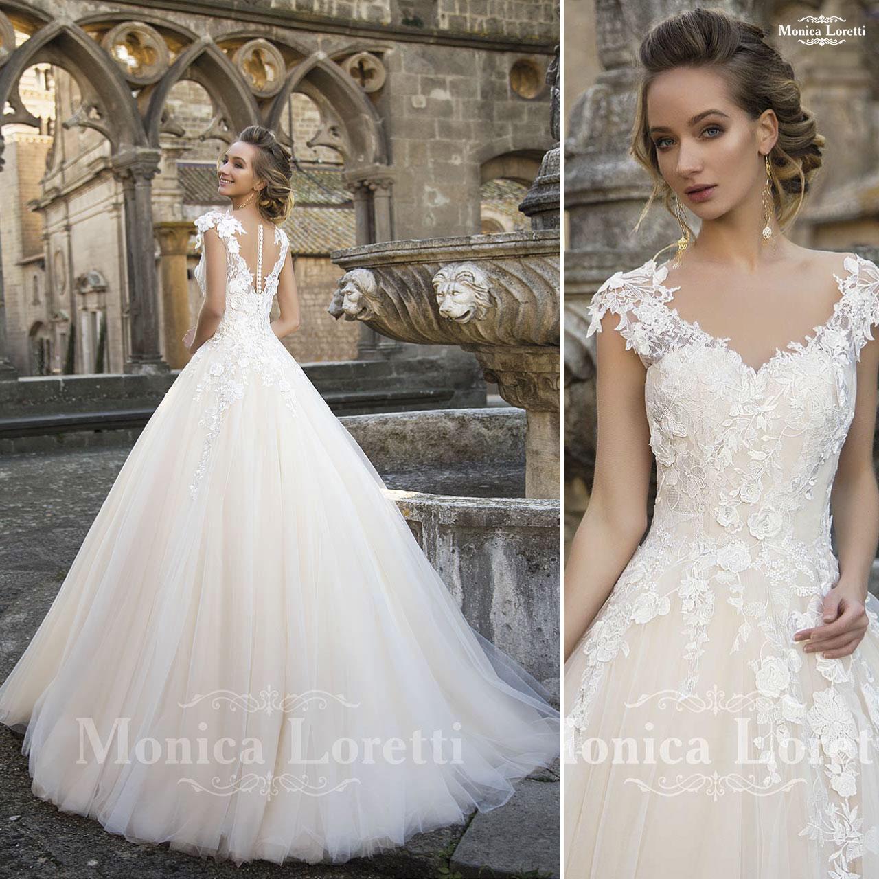 ... bianco articolo Nika Monica Loretti Abito da sposa da principessa in pizzo  articolo Nilka Monica Loretti ... ee0ac8c8ba7